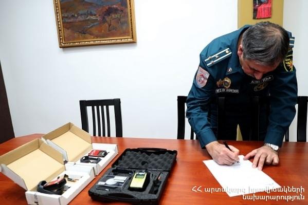 «Բժիշկներ առանց սահմանների» միության հայաստանյան առաքելությունը ԱԻՆ-ին է նվիրաբերել ռադիոմետր սարքավորումներ