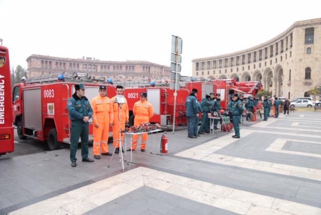 Հրշեջ-փրկարարական տեխնիկայի եւ գույքի ցուցադրություն հանրապետության հրապարակում